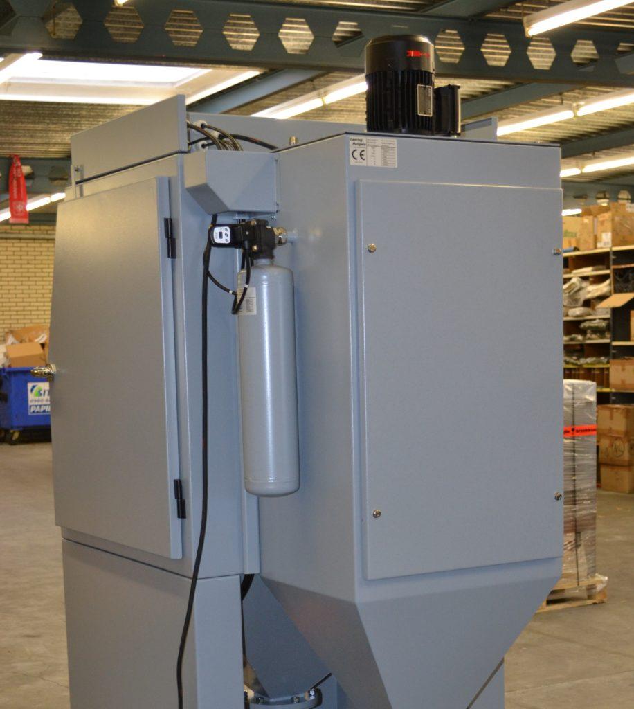 Mistral MP02 bakside med filterrom og automatisk rens av filterpatron.